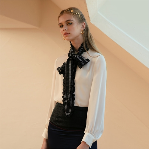 [까이에] Ruffled Tie Silk Blouse
