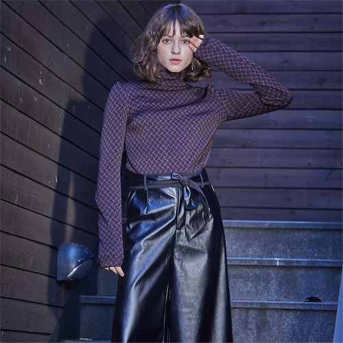 [와이제이] CHAIN JERSEY TURTLE NECK TOP_WINE